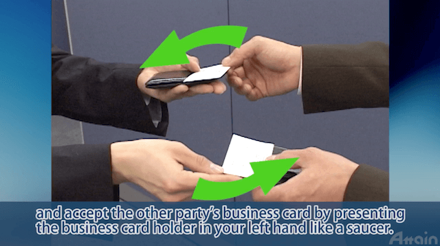 How to exchange your business card in Japan:名刺交換のしかた