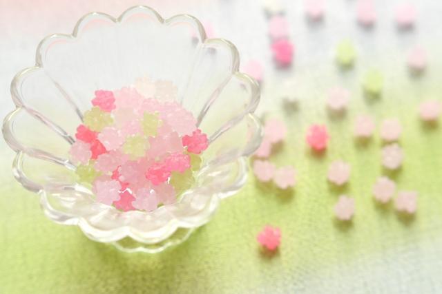 きれいなピンク色の金平糖の写真